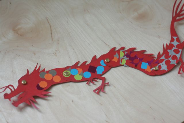 Paper dragon tutorial and template tig serena for Cardboard dragon template